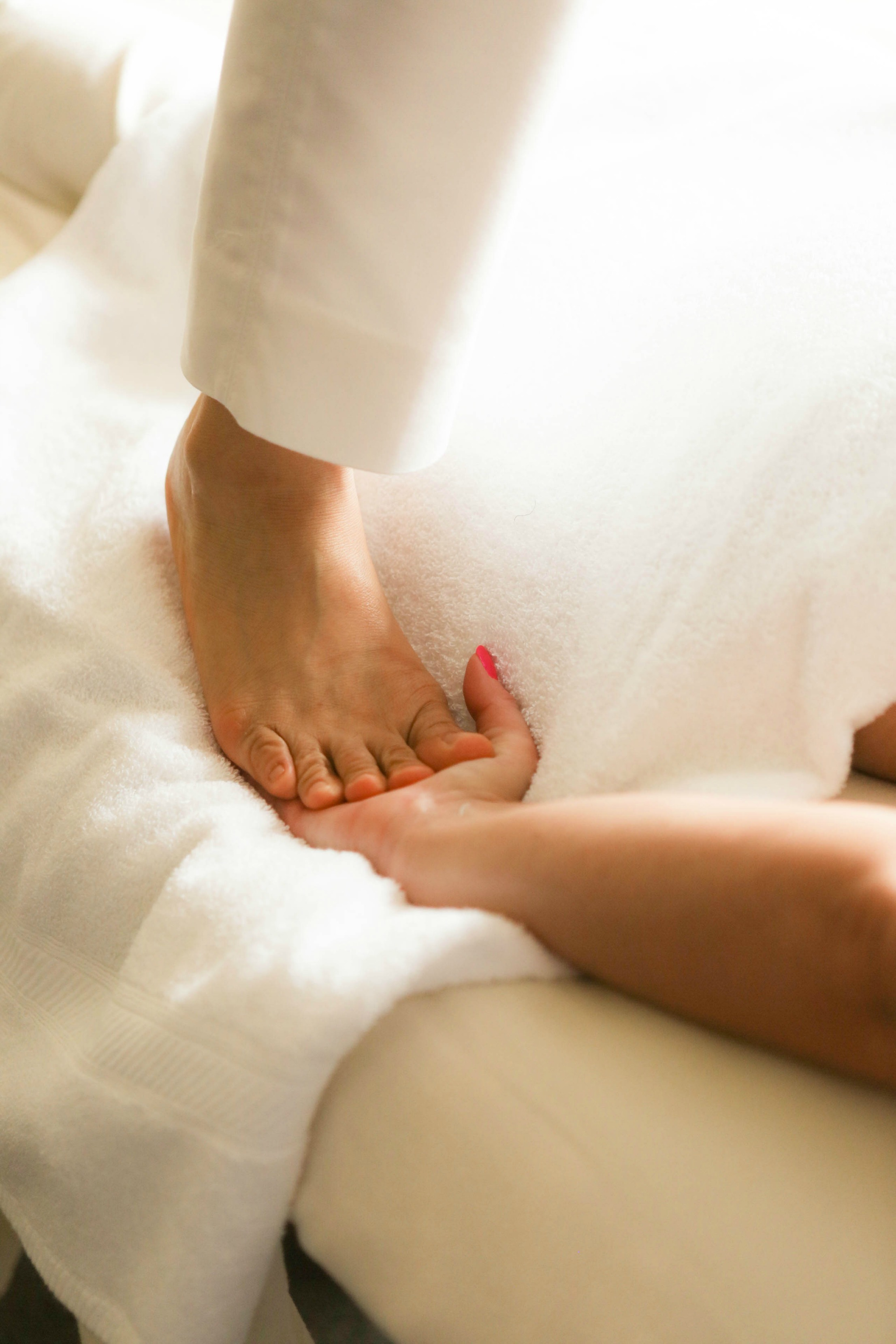 barefoot back walk massage